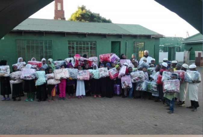Sandton Islamic Association's blanket drive a success (2015)